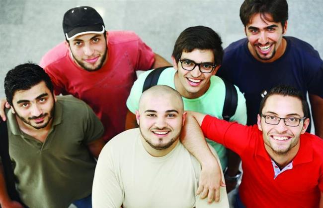%60 من الشباب العربي متفائل بالمستقبل.. واستشارى نفسي يكشف الأسباب