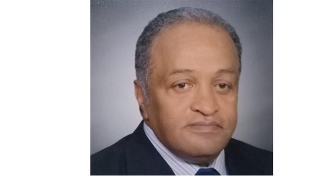 «بتشوف أستاذك يوسف بطرس يا دكتور محمود؟»