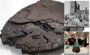 احترقت في غارة بالحرب العالمية.. العثور على كعكة بالنبدق واللوز عمرها 80 عامًا (صورة)