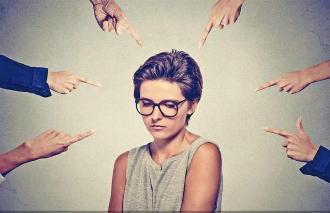 أستاذة علم اجتماع: لاتزال المرأة المطلقة تعاني من دائرة المجتمع الذكوري