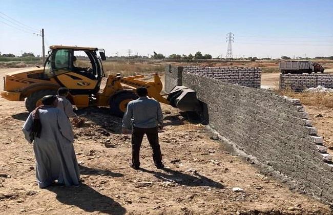 إزالة ٤٨ حالة تعدٍ على أراض زراعية وأبنية مخالفة في الشرقية