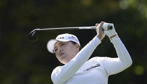 """الكورية """"كو جين يونج"""" تفوز ببطولة رابطة لاعبات الجولف المحترفات"""