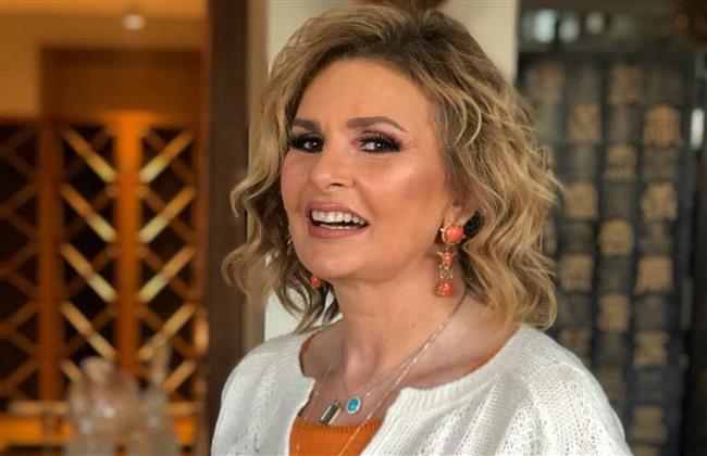شاهد فيديو لـ يسرا تروج فيه لأغنية «متعلق بيكي» لـ أحمد الروبي