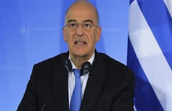 وزير الخارجية اليوناني يعلن توقيع اتفاقية دفاعية مع بريطانيا غدا