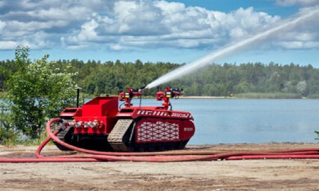 «روبوت» ذو هيئة عسكرية لإطفاء الحرائق