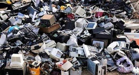 خبير بيئى: التخلص السليم للمخلفات الإلكترونية يحسن الحالة المالية للدولة