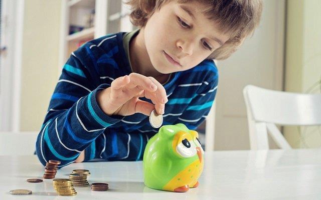 5 أفكار رائعة لتعليم طفلك الادخار