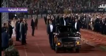 أحمد موسى يستعرض مشهد مرسي في ستاد القاهرة: «معلش بفكركوا بأيام سودة» (فيديو)