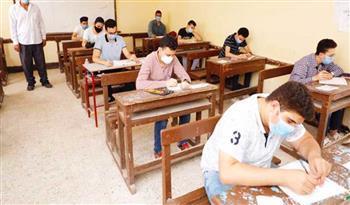 ضبط 14 حالة غش.. 255 ألف طالب وطالبة بالشعبة الأدبية يؤدون امتحان التاريخ