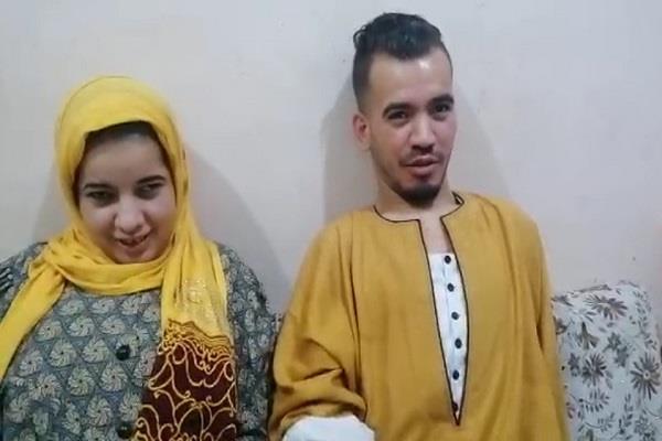 ولدا بإعاقة كاملة فى القدم.. أحمد وخديجة يطلبان «كرسيين» ومعاش ثابت لتخفيف معاناتهما