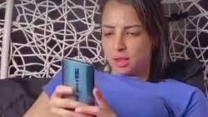 بسبب «فتاة الهوهوز».. رواد فيس بوك يطالبون بإلغاء «تيك توك»