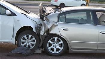 إصابة 5 أشخاص فى تصادم سيارة نقل وميكروباص على الطريق الدائري بالوراق
