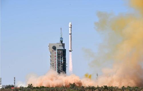 الصين تعلن نجاح إطلاق القمر الصناعي «تيانهوي 1-04»