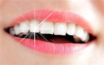 وصفة لتبييض الأسنان بالفراولة والأناناس والبكينج صودا