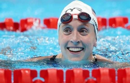 طوكيو 2020.. السباحة الأمريكية ليديكي تتوج بذهبية سباق 800 متر حرة