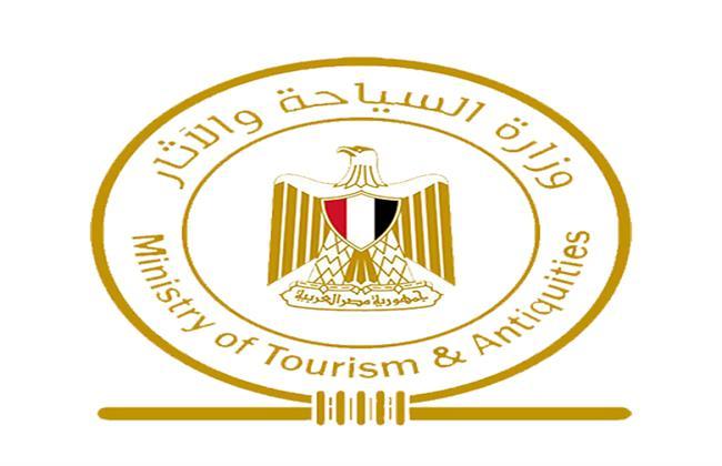 الآثار تنظم رحلة توعية سياحية للطلاب المتفوقين دراسيًا من أبناء شمال سيناء