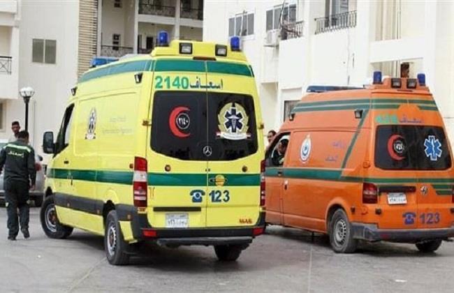 بالأسماء... إصابة 6 أشخاص بتصادم سيارتين بصحراوي بني سويف