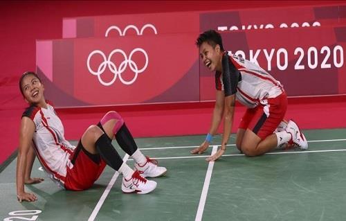 إندونيسيا تحصد ذهبية زوجي السيدات في الريشة الطائرة بالأولمبياد