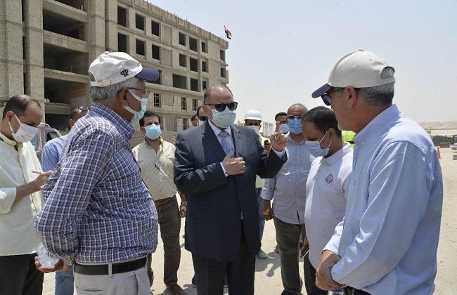 محافظ أسيوط يتفقد أعمال تنفيذ جامعة بدر بمدينة ناصر الجديدة