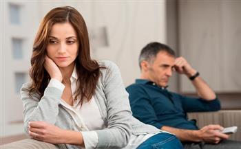 ما هي أسباب أزمة منتصف العمر وتأثيرها على الإنسان؟.. استشاري نفسي يجيب