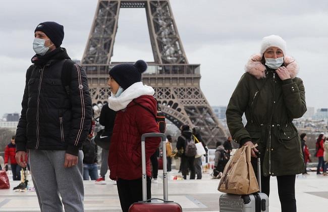 فرنسا توقع تطعيم 90% من السكان في هذا التوقيت